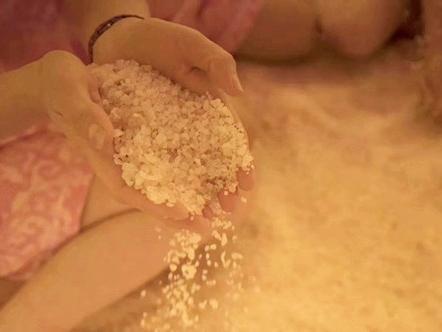 盐蒸不是取暖方法,养生没有淡旺季之分